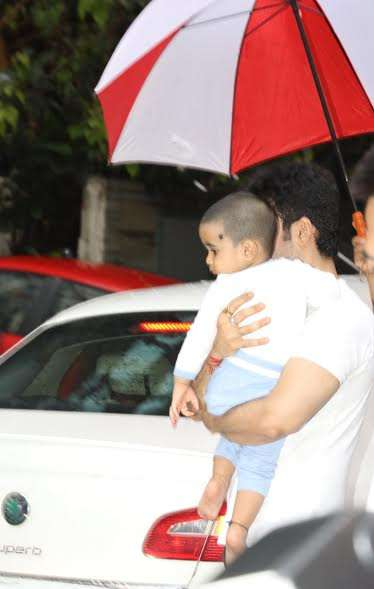 India Tv - Tusshar Kapoor and son Laksshya