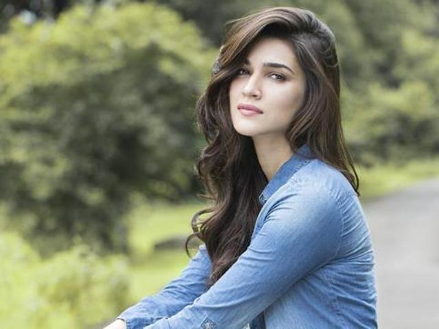 Kriti Sanon works on a Huge Project after facing some failures