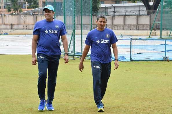 Anil Kumble and team's batting coach Sanjay Bangar