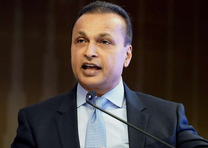 RCom Chairman Anil Ambani addressing a press conference in