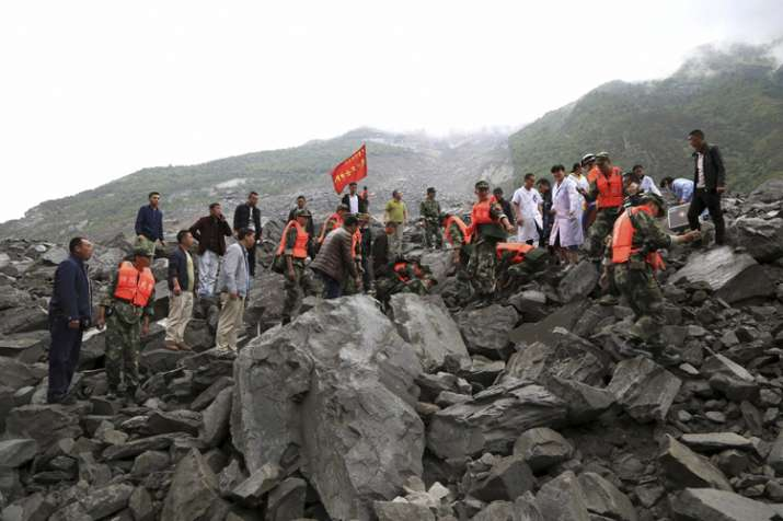 15 bodies pulled out of China's landslide, 118 still missing