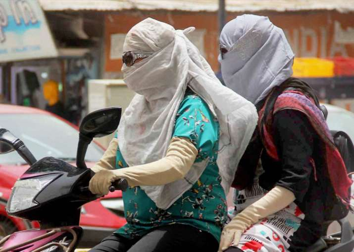 Delhi reels under intense heat, maximum temperature at