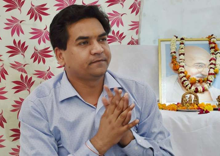 Kapil Mishra stopped from entering Arvind Kejriwal's