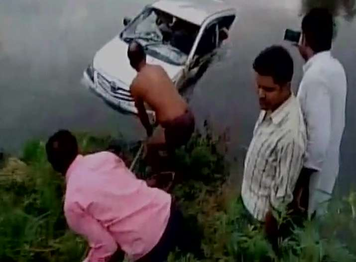 9 members of a family among 10 killed after car falls into