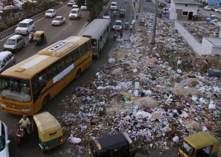 HC raps civic body commissioners over garbage mess on Delhi