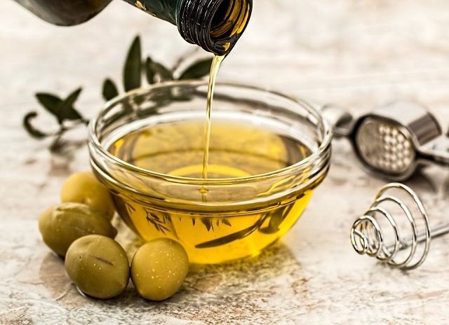 Olive oil nutrient may help battle brain cancer, says study