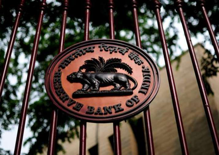 Analysts divided over future course of monetary policy