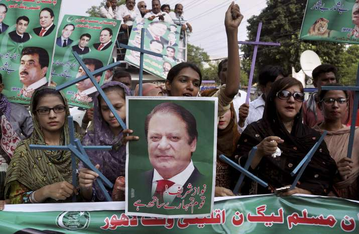 Nawaz Sharif family to face 4 cases after Panama Papers