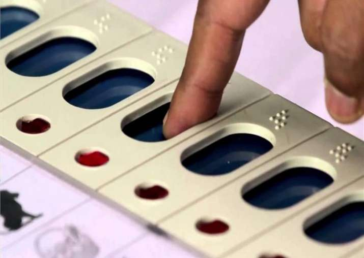 New 'tamper-detect' EVMs to be used in 2019 polls: CEC
