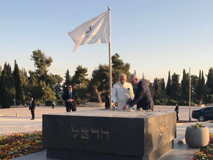 PM Modi makes impromptu visit to grave of Zionism's founder