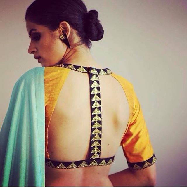 India Tv - This blouse style looks beautiful
