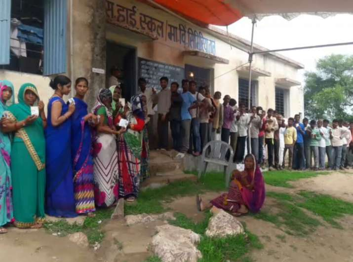 Voters queue up to vote on August 11