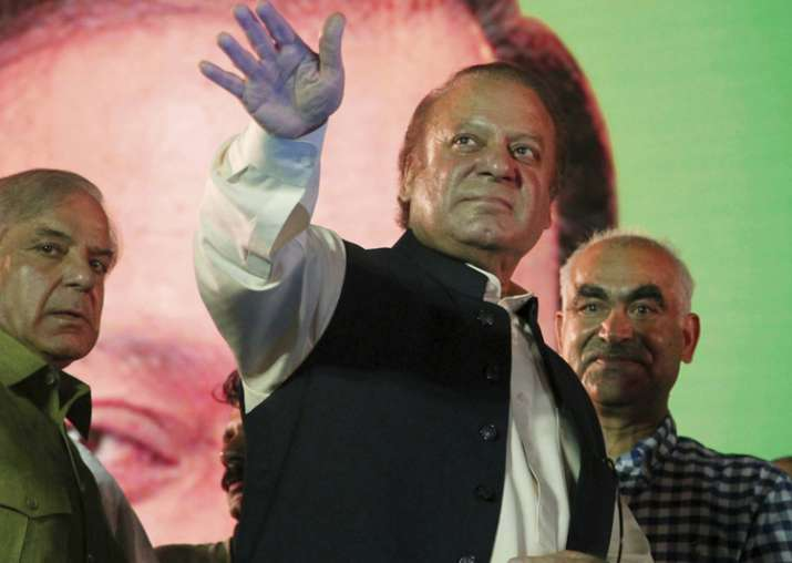 Nawaz Sharif gets ecstatic welcome in Lahore