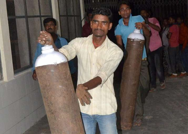 Gorakhpur: Oxygen cylinders being supplied in BRD Hospital