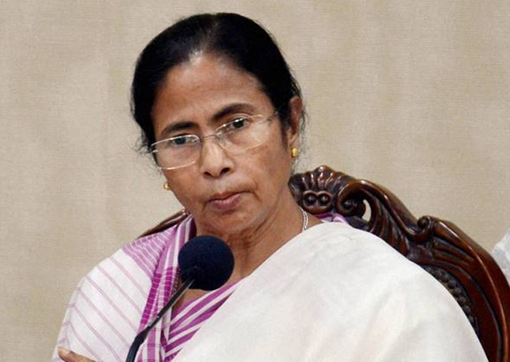 Calcutta HC raps Mamata govt,says don't draw line between Hindus and Muslims