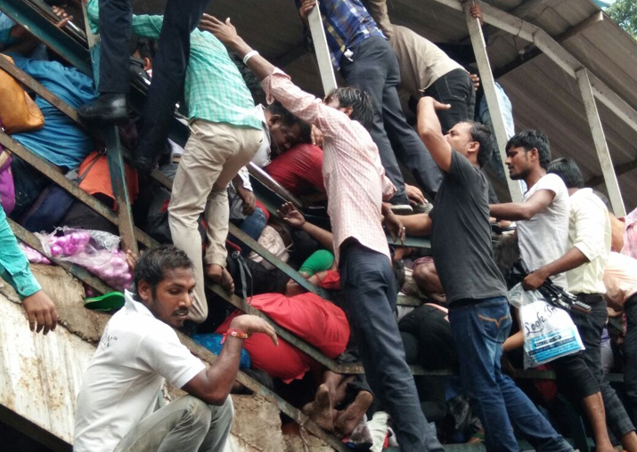 Elphinstone station stampede kills 22; Govt orders enquiry, announces compensation