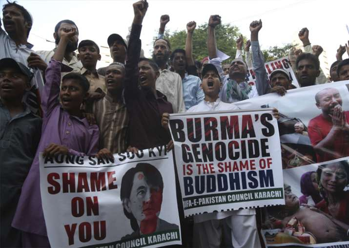 Pakistani protesters rally to condemn violence against