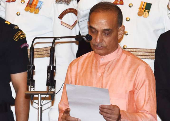 Satya Pal Singh takes oath as MoS at Rashtrapati Bhavan