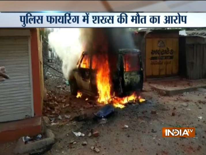 One killed as police fires at protesting crowd in Gujarat's Dahod