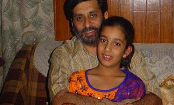 Aarushi Talwar with her father Rajesh. File photo