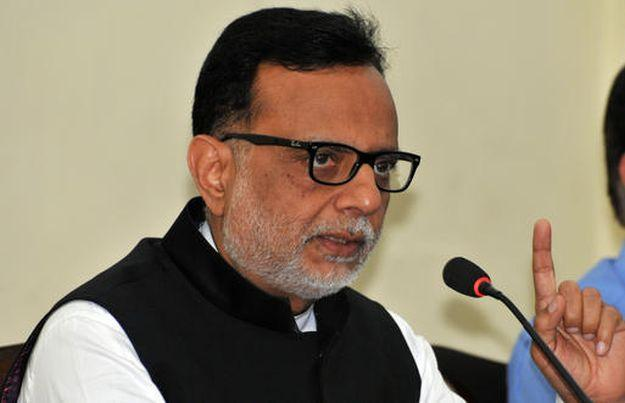 FM's budget team ready, Adhia finance secretary