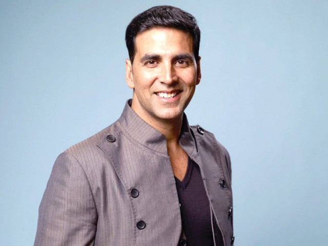 Akshay Kumar contributes 25 Lakh to 103 families of martyrs