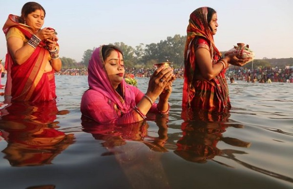 Chhath festival begins, ghats in Delhi decked up for devotees