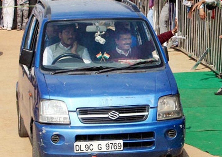 CM Kejriwal's Blue Wagon R vehicle  stolen from right outside Delhi Secretariat