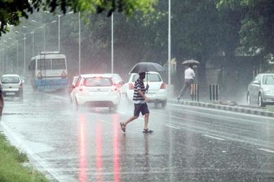 Heavy Rains, Strong Winds Batter South Bengal, Operations Affected at Kolkata Airport