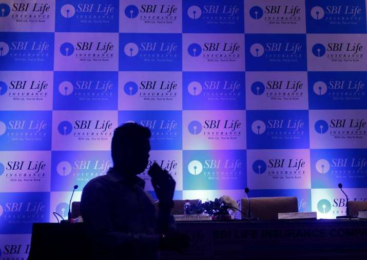 SBI Life Insurance debuts on bourses at 5% premium