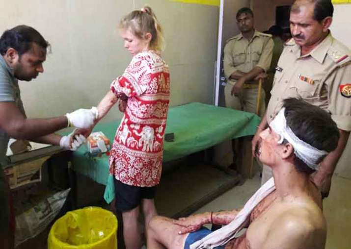 India Tv - Swiss couple attacked in Fatehpur Sikri