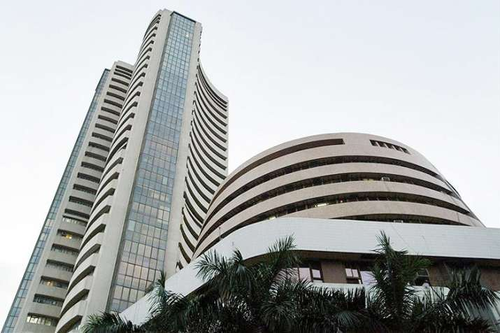 Sensex plunges 453.41 points to close at 33149.35
