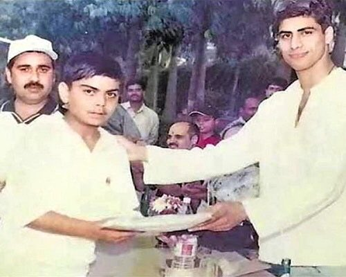 India Tv - Twitter is getting nostalgic over this Throwback picture of Ashish Nehra with Virat Kohli
