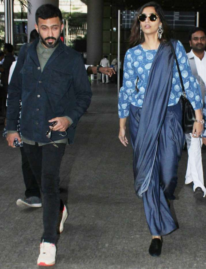 India Tv - Sonam Kapoor and Anand Ahuja were spotted at Mumbai airport