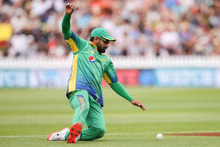 Pakistan's Hafeez banned because of illegal bowling action