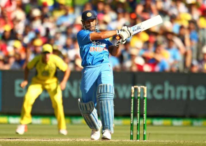 Shastri backs Dhoni once again, hits out at critics