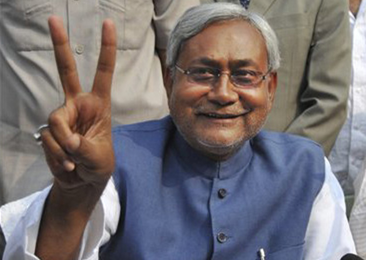 Setback for Sharad Yadav; EC Sides with Nitish on Party Symbol