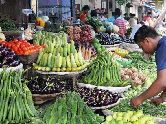 Higher food prices accelerate India's retail inflation in October