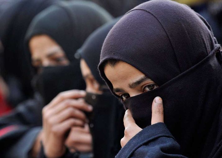 Govt mulls legislation on Triple Talaq in winter session