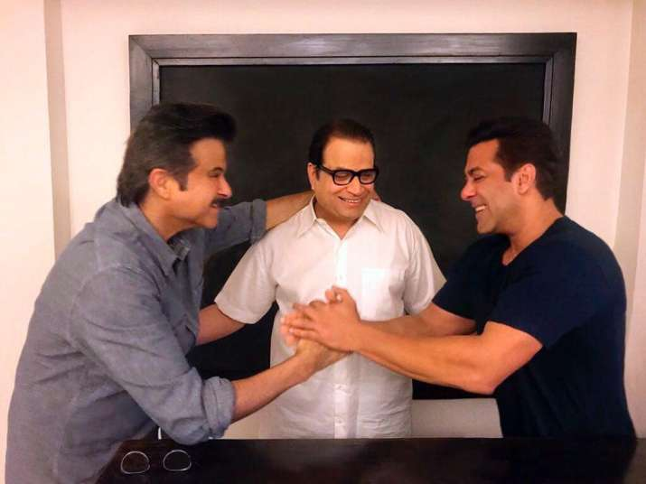 Salman Khan welcomes Anil kapoor on 'Race 3' sets