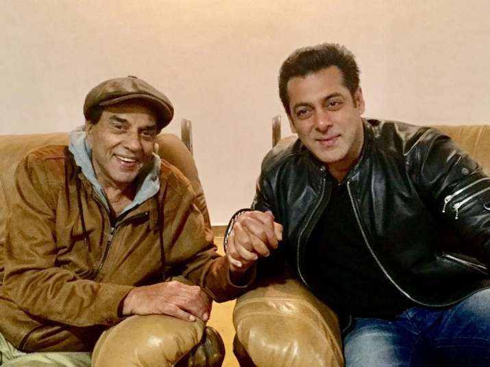 Salman pays surprise visit to Dharmendra's house