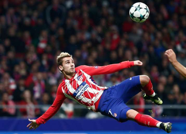 India Tv- Atletico de Madrid's Antoine Greizman plays a shot