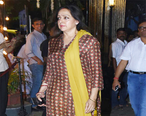 India Tv - Hema Malini at Shashi Kapoor's prayer meet