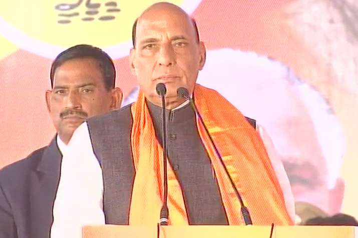 Rajnath hits back at Rahul, says Cong behind comunal unrest