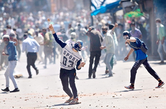 Cases Against 5000 Stone Pelters To Be Withdrawn