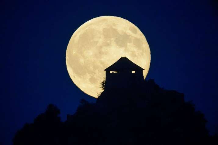 Skywatchers in for treat as 'supermoon' to brighten up