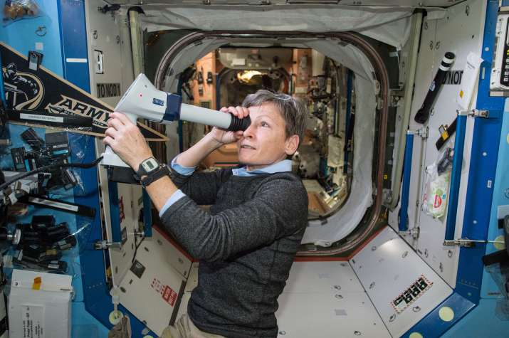 International Station Crew Researching Life Science Ahead of New Year