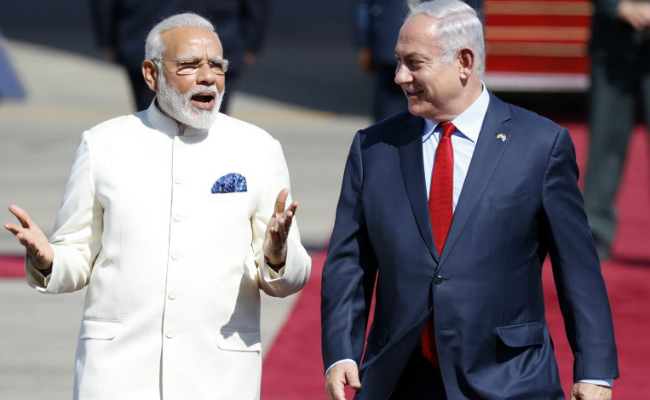 Anti-Israeli protests in New Delhi on Netanyahu's trip to India