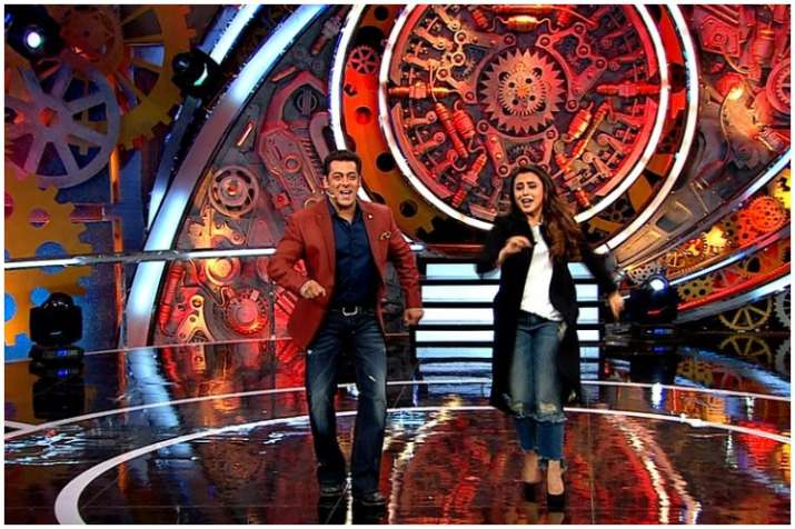 Bigg Boss 11 Weekend Ka Vaar: Rani Mukherji enters the house; Hina terms Shilpa most unhygienic contestant