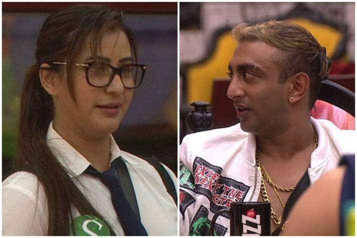 Hina Khan breaks down because of Luv Tyagi's harsh comments